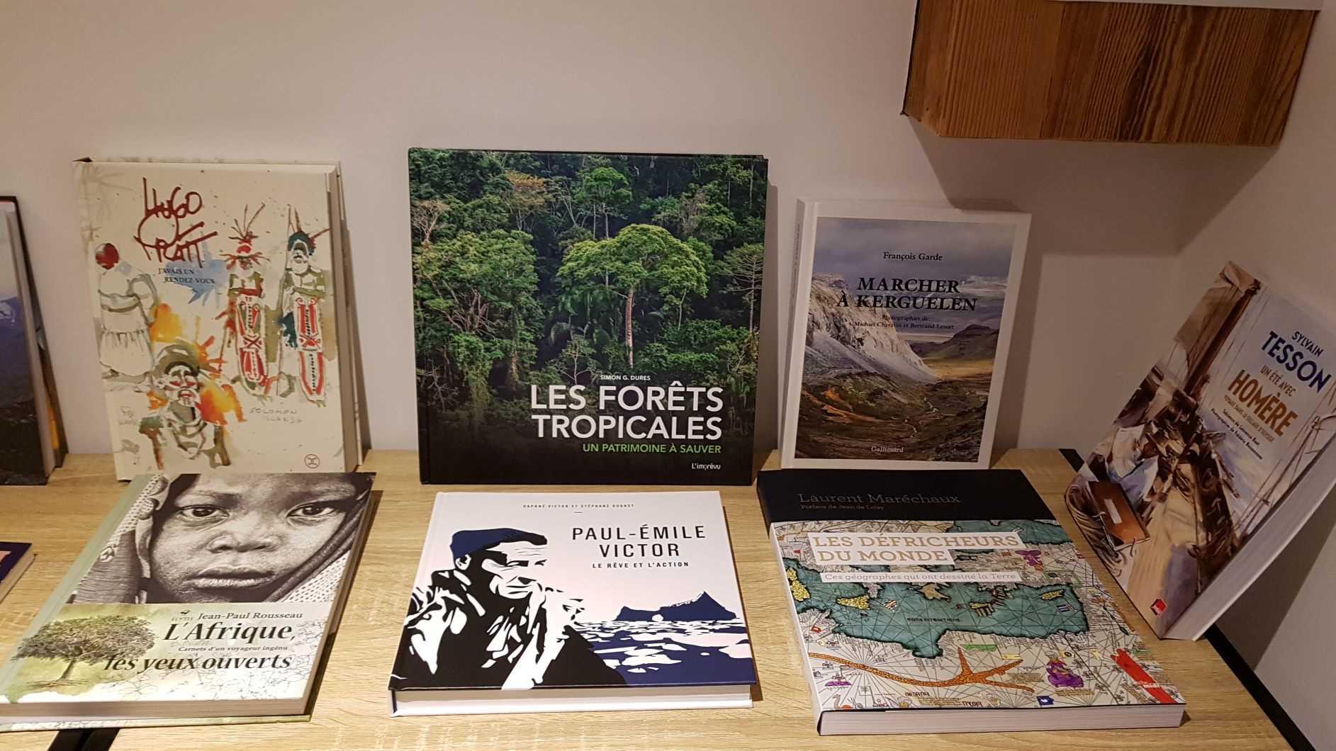 Librairie La librai'bulles coin voyage